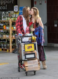 Paris-Jackson-Birthday-kissed-bf-Gabriel-Gllenn