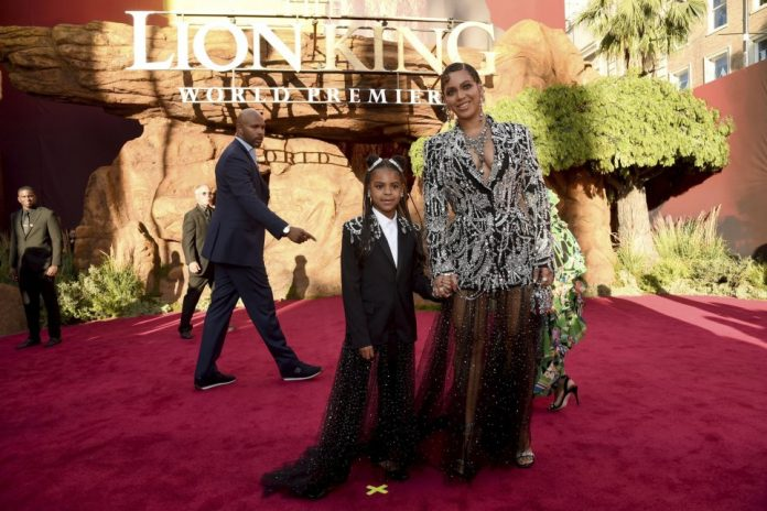 """'The-Lion-King'-Premiere & Releases New Song """"Spirit""""-Lion-King-Album"""