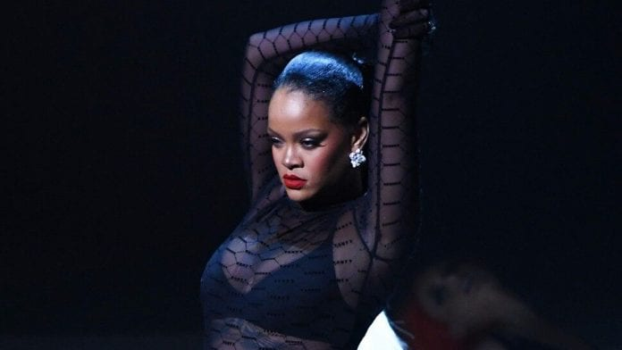 Rihanna-Is-Our-Instagram-Queen-Of-The-Week-Sexy