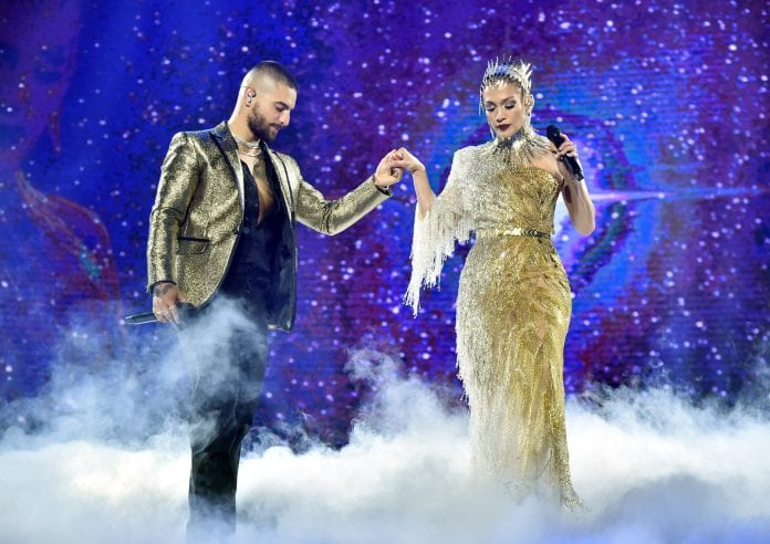 Jennifer-Lopez-Makes-A-Surprise Concert Appearance-In-Stunning-Style