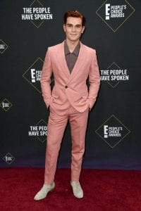 2019-Peoples-Choice-Awards-red-carpet