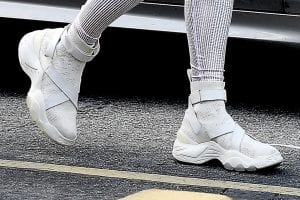 Jennifer-Lopez-shows-off-figure-All-White-Sexy-Workout-Outfit-Gym-Miami-