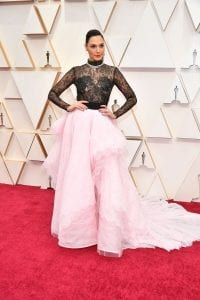 Oscars-2020-Best-Dressed-Stars-on-Red-Carpet-Fashion-Scarlett-Johansson-Renee-Zellweger-Margot-Robbie-more