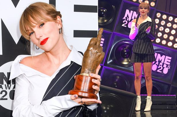 NME-Awards-2020-Taylor-Swift-Joe-Alwyn-Kiss-At NME-Awards After She Makes Surprise Appearance