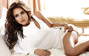 Top-10-Most-Beautiful-And-Hottest-American-Women-of-USA-in-2020-Jessica -Alba