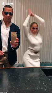 Jennifer-Lopez-and-Alex-Rodriguezd-Flip-The-Switch-For-Epic-Drake-TikTok-Challenge