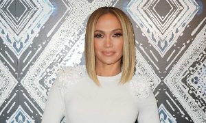 Jennifer-Lopez's-Chunky-highlights-Look-shows-off-90s-style-on-Instagram