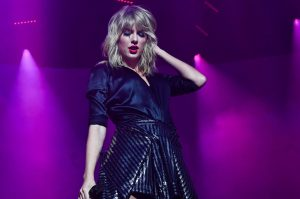 Taylor-Swift-City-of-Lover-Concert-at-LOlympia-2019